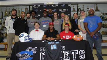 Class of 2018 signs 13 athletes