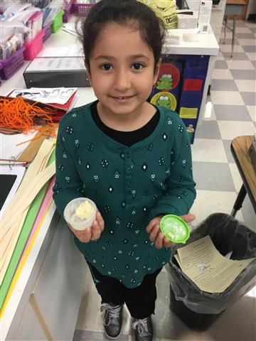 Mrs. Matthew's Kindergarten class makes butter!