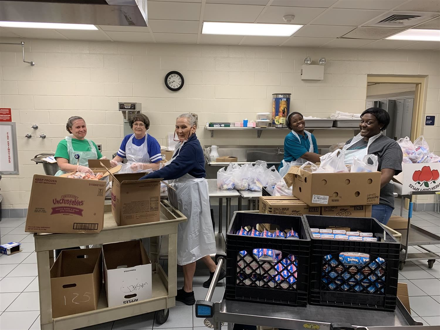 JCPS School Nutrition Serves Meals for Children - True Heroes!