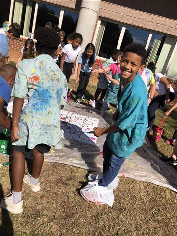 5th Graders Splatter Paint