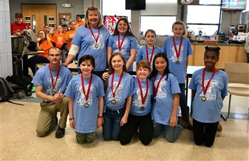 2019 Battle of the Books team takes 2nd place!