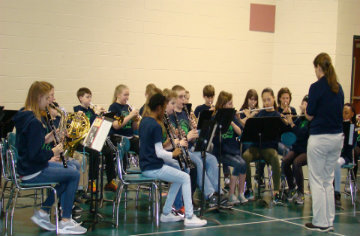 ALMS performs for RDE Fifth Graders