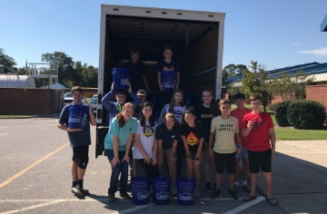 Meadow School lends a hand to Union Elementary