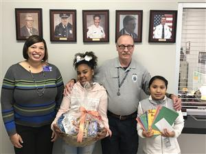 Selma Student Leadership Deliver Baskets of Joy