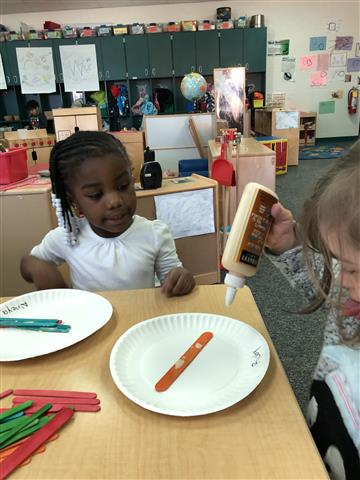Pre K Students Study Winter